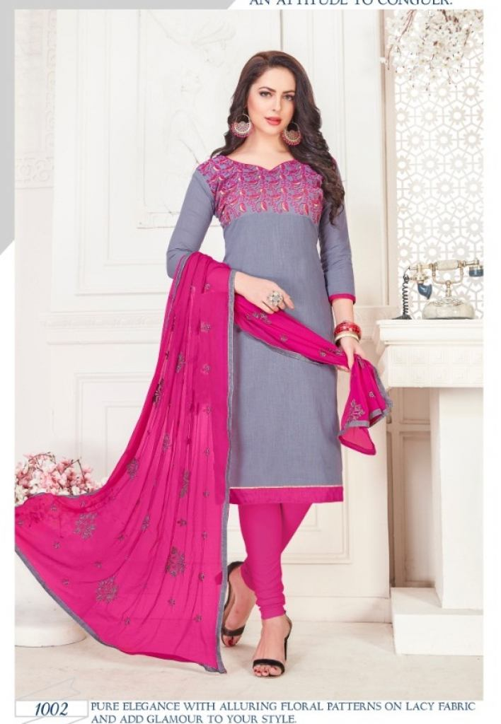 https://www.wholesaletextile.in/product-img/Rnx-presents-Maharani-Designer-1600164075.jpg