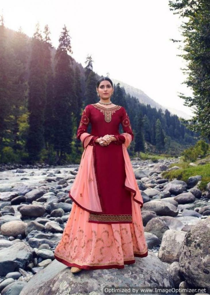 https://www.wholesaletextile.in/product-img/Rsf-Presents-Fiza-Designer-Sal-1602919973.jpg