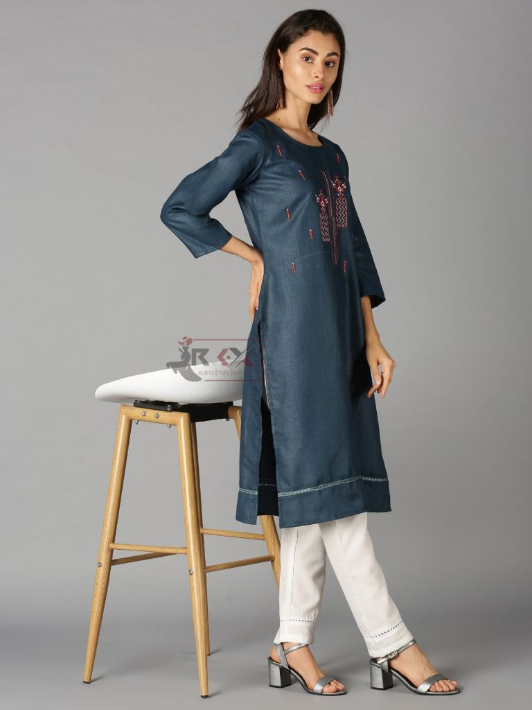 https://www.wholesaletextile.in/product-img/SF-Queen-vol-11-Kurti-with-Bot-1628320647.jpeg