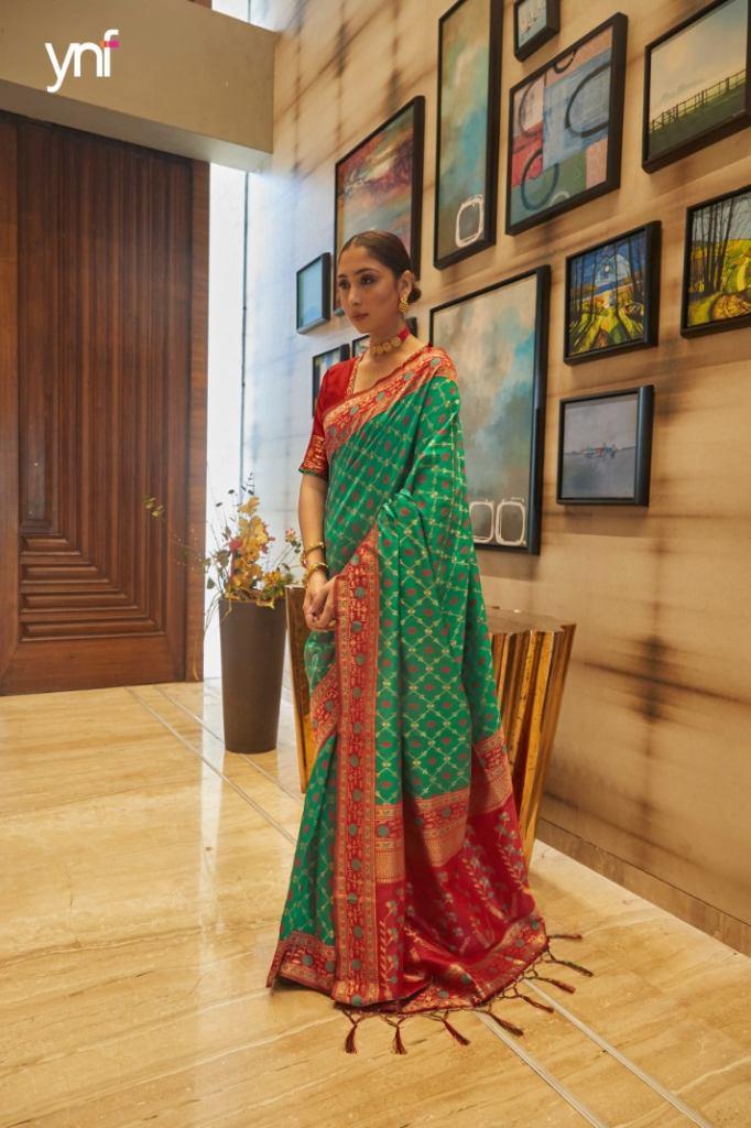 https://www.wholesaletextile.in/product-img/Ynf-Zari-Banaras-Art-Silk-Sare-1633588316.jpeg